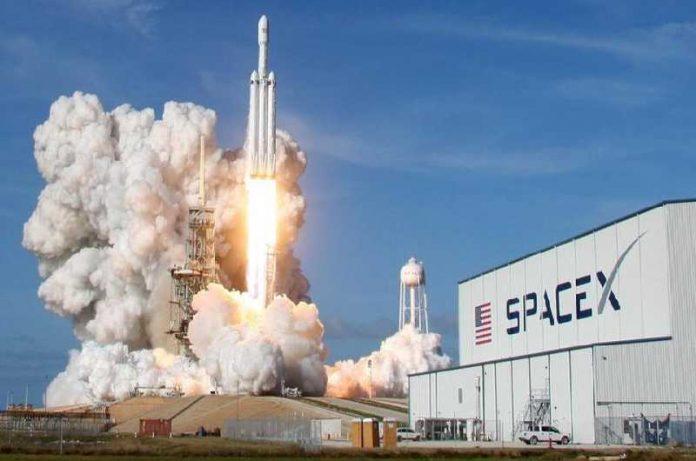 SpaceX: La primera misión comercial al espacio en 2021